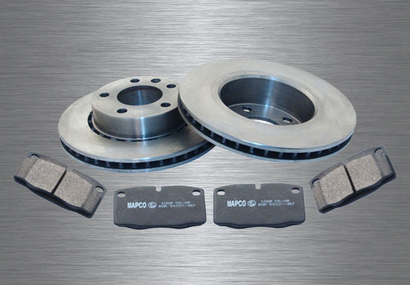 Set of brake pads and brake discs