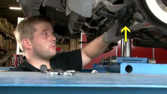 The Mechanic Episode 4 - Track and coupling rod change